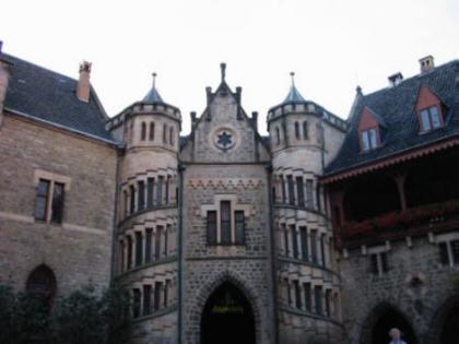 Ein Blick in den Innenhof der Marienburg bei Nordstemmen, dem Sitz von Ernst August von Hannover