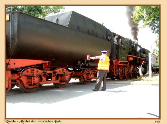 Abfahrt der historischen Bahn Historische Bahn - Bahnstrecke von Rinteln nach Stadthagen und natürlich zurück !