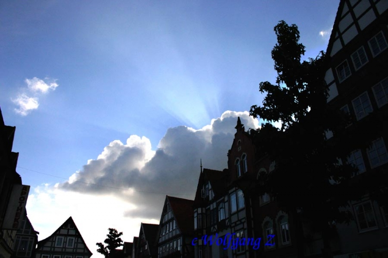 Wolken über Rinteln, Herbststimmung Weserstraße