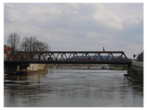 Die Alte Weserbrücke vor dem Abriss