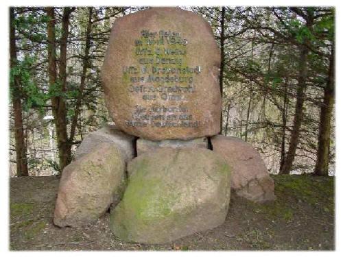 Gedenkstein auf dem Klüth oberhalb Hamelns